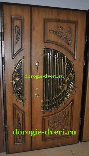 теплая входная дверь со стеклом