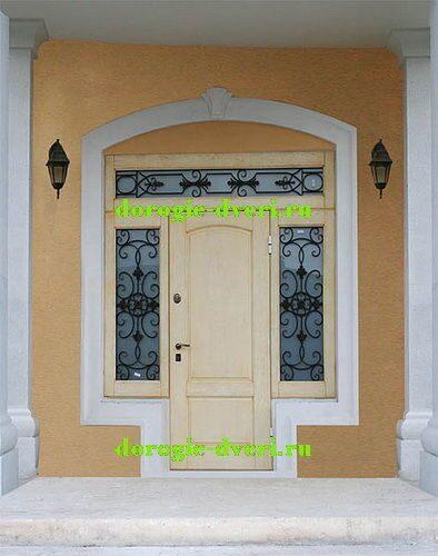 металлическая дверь в дом с окошком