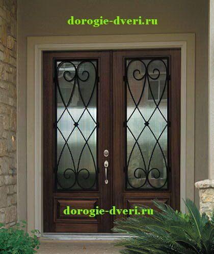 стальные кованые со стеклом двойные двери