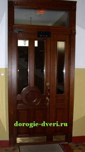 входные двери со стеклом на верху